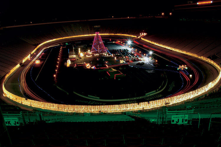 Speedway Christmas Lights.Bristol Speedway Lights Up Holiday Nights Tennessee Home