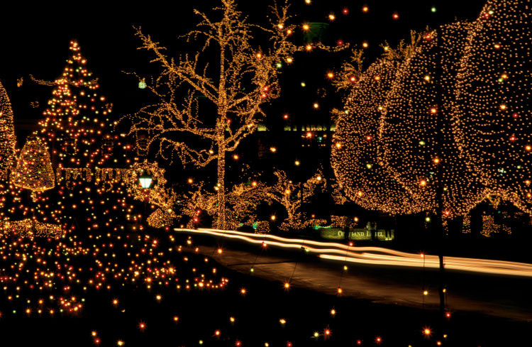 Opryland Christmas.Enter To Win Christmas Getaway At Gaylord Opryland